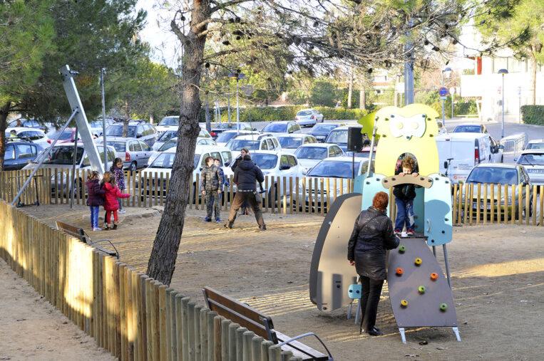 L'Ajuntament tanca els parcs infantils de forma immediata