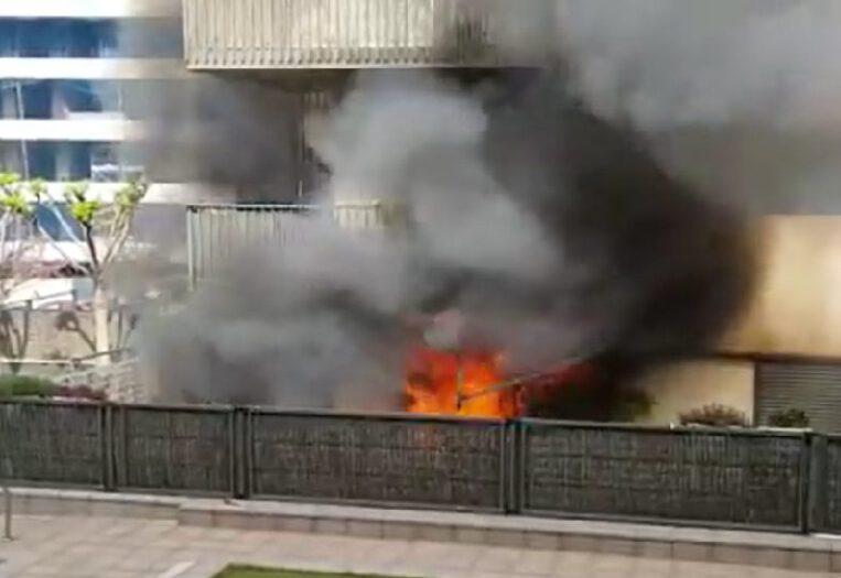 Un foc crema la planta baixa d'un bloc de pisos a Volpelleres
