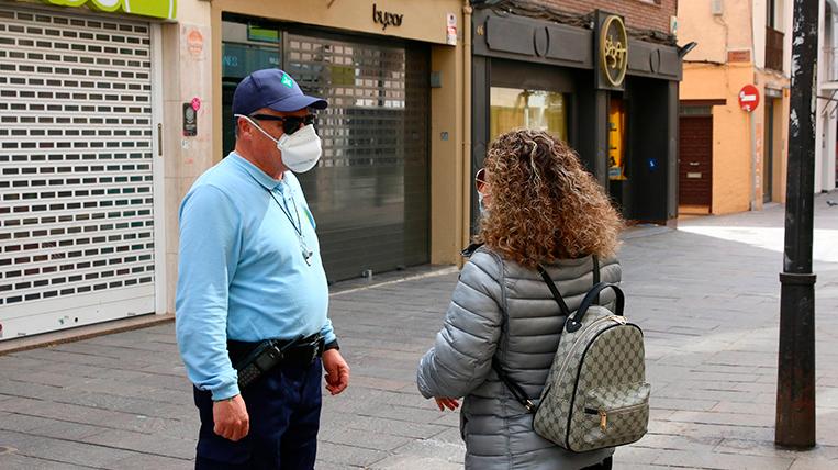 Sanitat planteja incloure la gent gran entre els grups que podrien sortir al carrer