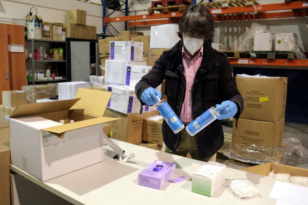 El govern espanyol fixa en 0,96 euros el preu màxim de les mascaretes quirúrgiques