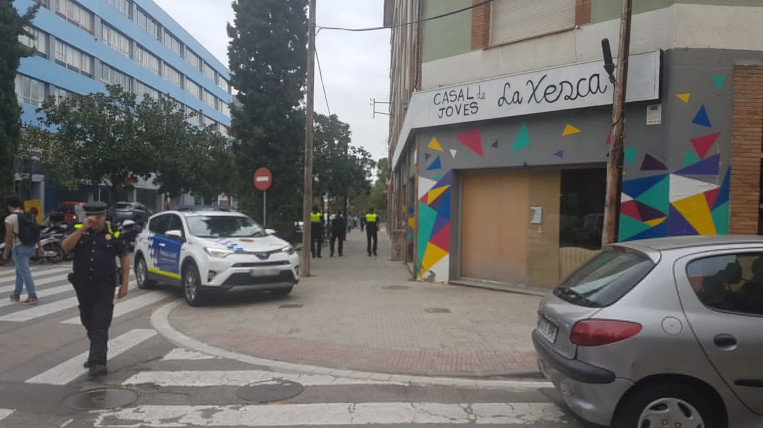 Enquesta: Què s'hauria de fer amb el Casal de joves la Xesca situat a l'avinguda Cerdanyola?