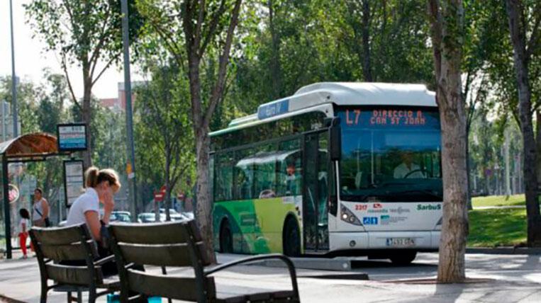 El transport públic augmenta la seva freqüència de pas